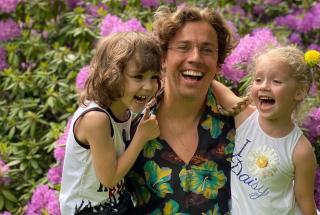 Гарри Галкин – защита и опора для сестры: новое видео с участием детей Аллы Пугачевой