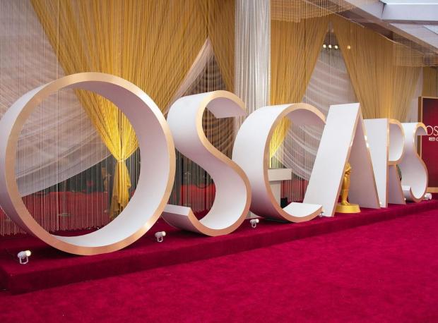 Большие буквы Оскар