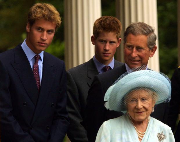 Принцы Уильям и Гарри с папой и прабабушкой