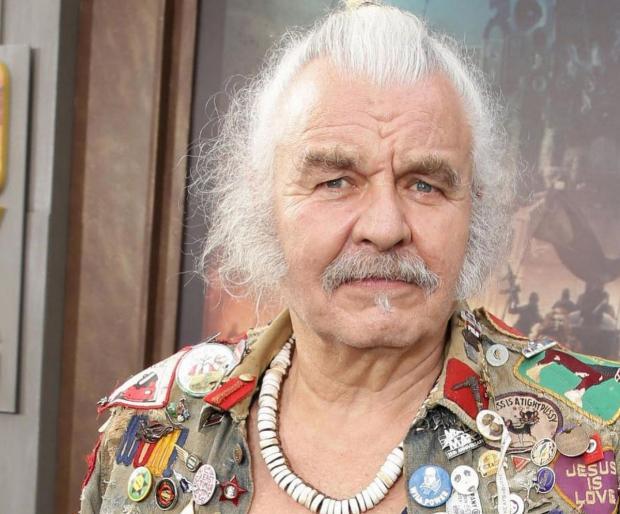 Покойный актер Хью Кияс-Берн