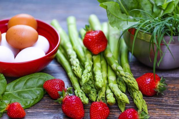 овощи и яйца - ингредиенты правильного питания