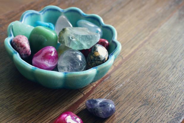 мисочка с кристаллами