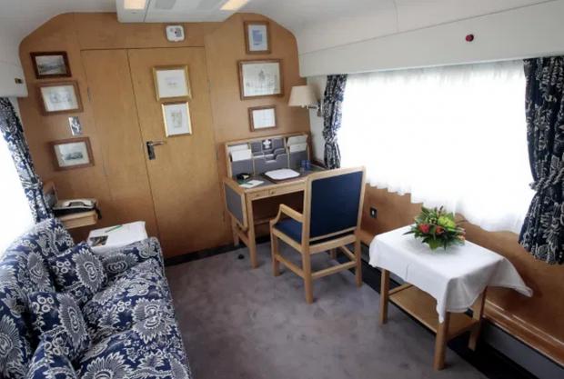 Кабинет в поезде