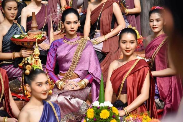 """Конкурсантки """"Мисс Таиланд 2020"""" в национальной одежде"""