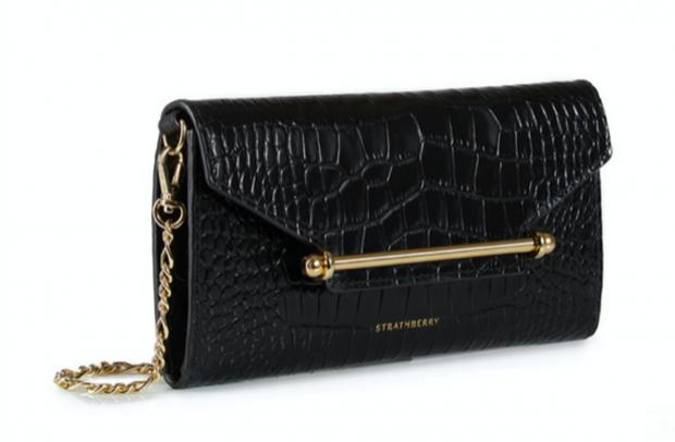 Черная сумка с теснением под кожу крокодила