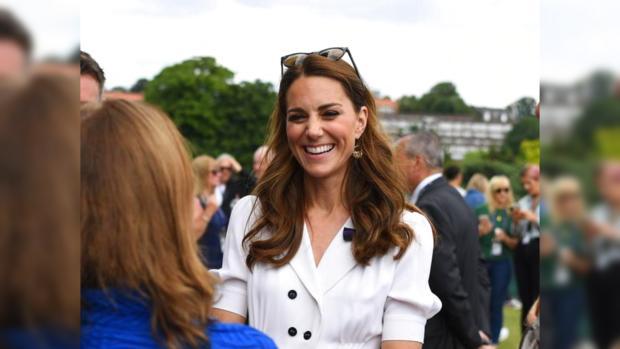 Кейт Миддлтон широко улыбается