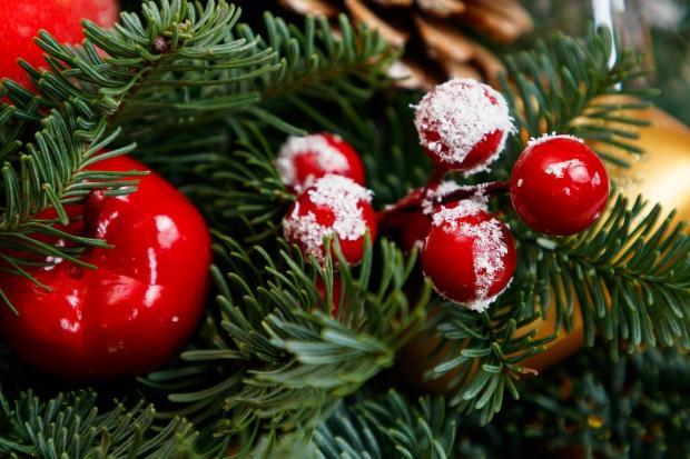 красивый новогодний декор на елке