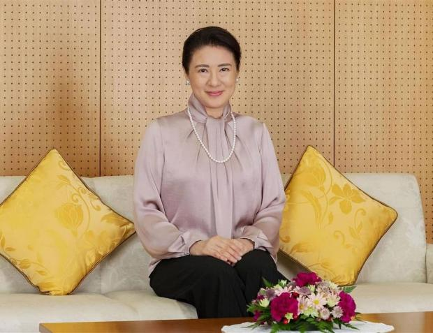 Императрица Японии в королевском дворце