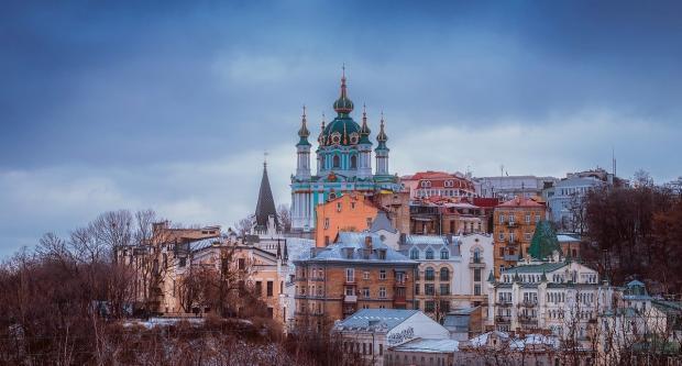 храм в зимнем городе