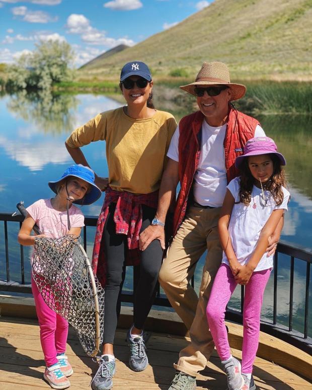 Брюс Уиллис с женой и детьми