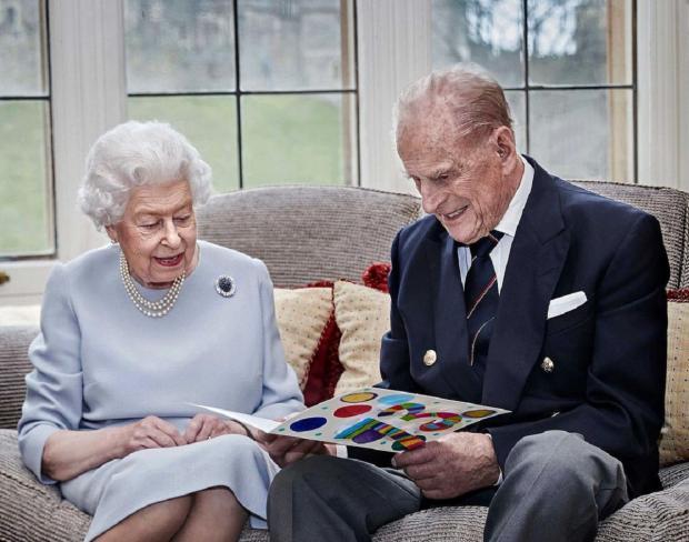 Королева и ее Муж