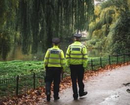 Невезучий преступник случайно вызвал полицию во время ограбления и был арестован