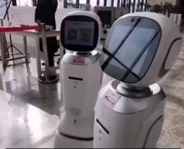 Конфликт двух роботов в китайской библиотеке стал вирусным в сети: видео