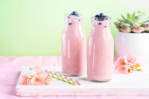 йогурт в бутылках