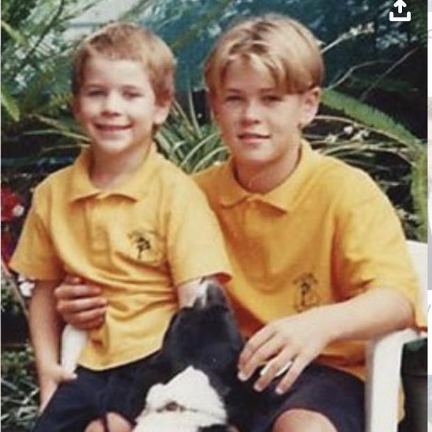 Лиам и Крис Хемсворт в детстве