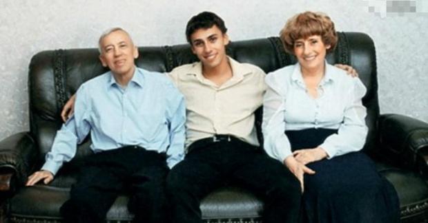 Максим Галкин с папой и мамой