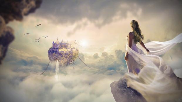 девушка на краю скалы стремится к летящему в воздухе замку