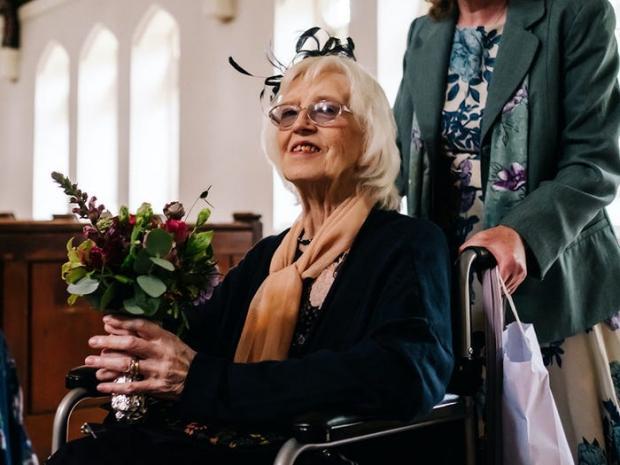 бабушка невесты
