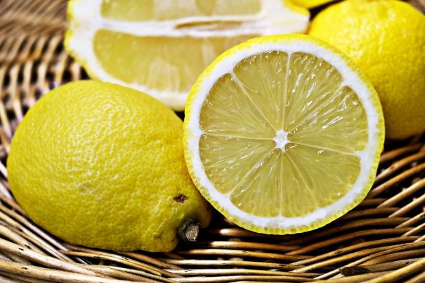 разрезанные лимоны