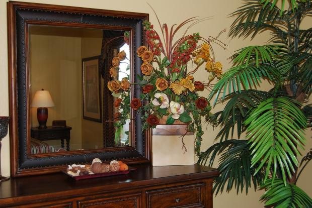 использование в интерьере крупных комнатных растений