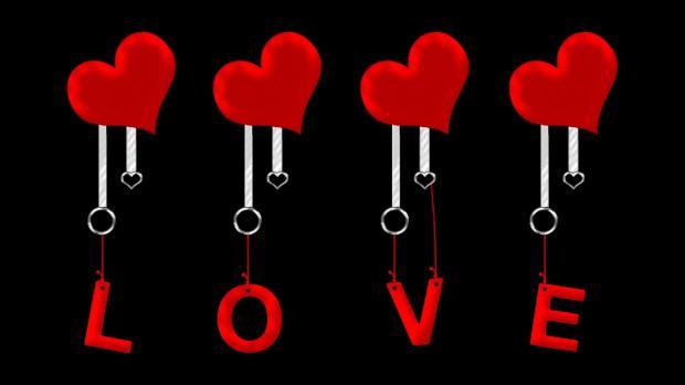 украшения с буквами Любовь