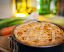 Курник: способ приготовления сытного пирога с куриным филе и картофелем