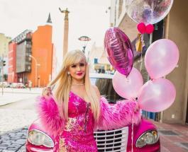Бразильская Барби зарабатывает на жизнь демонстрируя свой уникальный образ жизни в сети