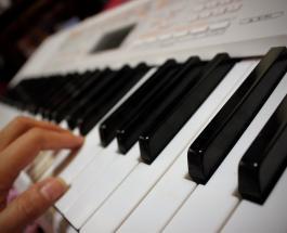 106-летняя пианистка из Франции готовится выпустить шестой музыкальный альбом
