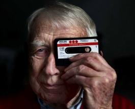 Создатель аудиокассеты Лу Оттенс скончался на 95-м году жизни