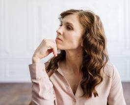 Боль в пояснице указывает на вину и стыд: как проблемы со здоровьем объясняет психосоматика