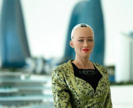 Цифровая картина, написанная роботом Софией, продана на аукционе за 700 000 долларов