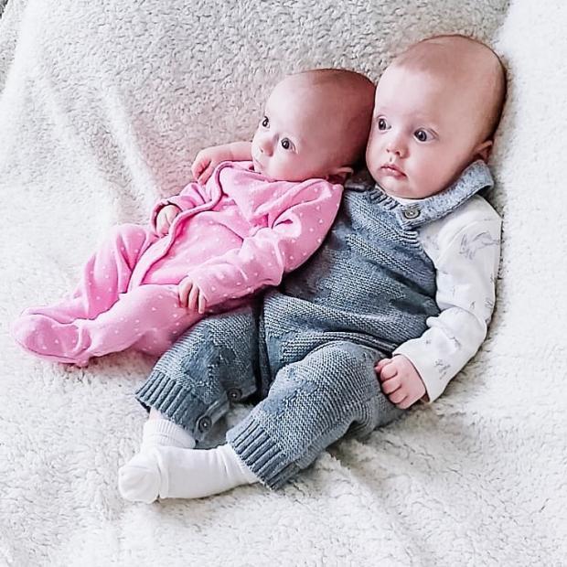 уникальные двойняшки