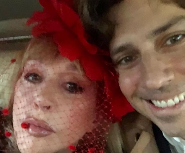 Новое фото Аллы Пугачевой показал Максим Галкин в честь придуманного женой праздника