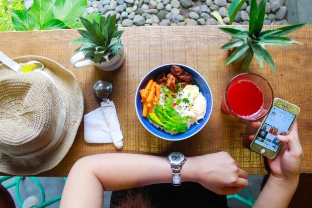полезная еда на столе