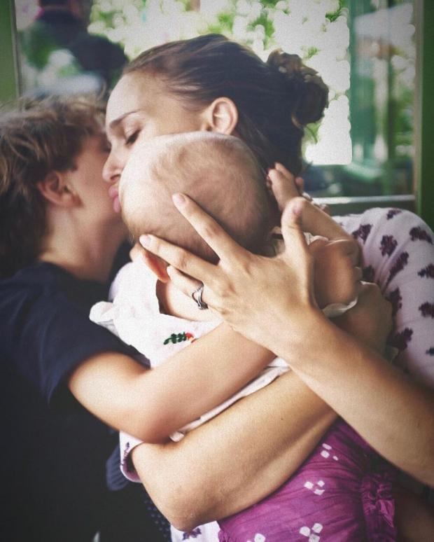 Натали Портман с детьми