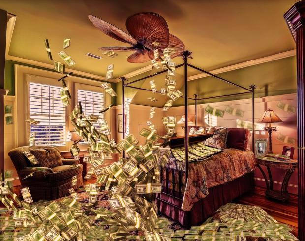 заваленная долларами комната
