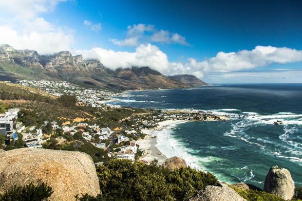 зеленый город в Африке Кейптаун