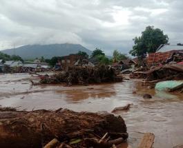 Наводнение в Индонезии: без вести пропали более 70 человек
