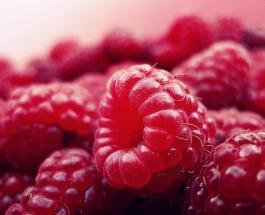 Полезные свойства малины: почему стоит есть сладкие ягоды как можно чаще