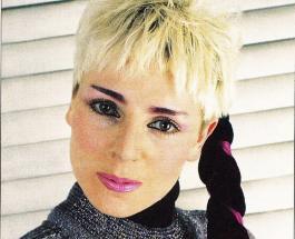 Жанна Агузарова на ММКФ: новые фото изменившейся певицы обсуждают в сети