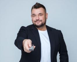 Большая семья Сергея Жукова: в сети спорят на кого из родителей похожи дети артиста