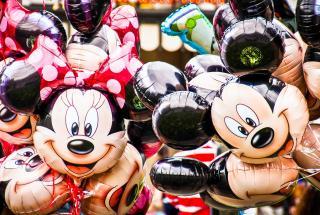 Маникюр с Микки-Маусом: милые и оригинальные идеи ногтевого дизайна