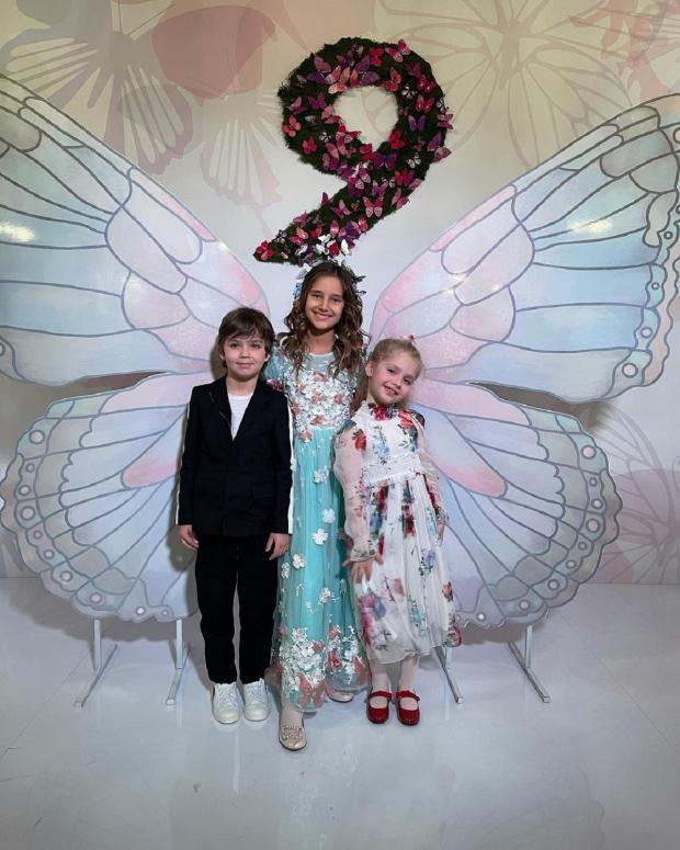 Лиза и Гарри и Клавдия Земцова