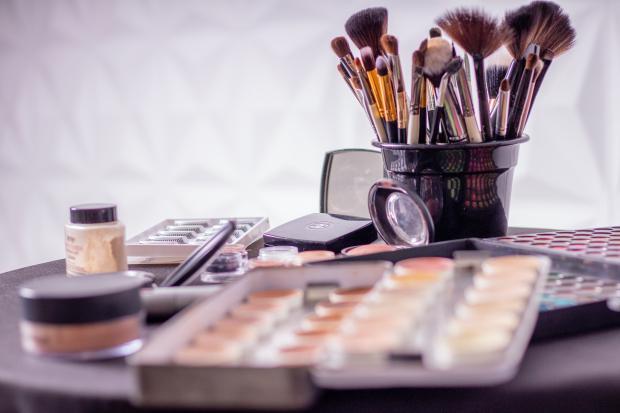 кисти для макияжа, косметика
