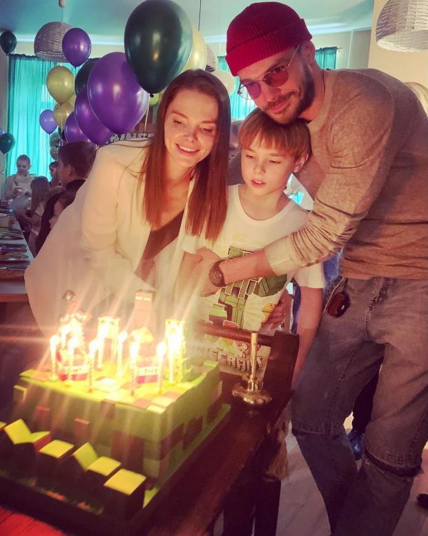 Елизавета Боярская и Максим Матвеев с сыном