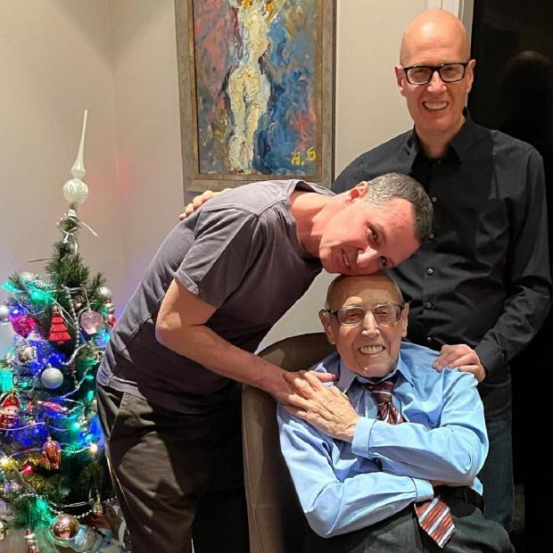 Эмиль Верник с сыном и внуком