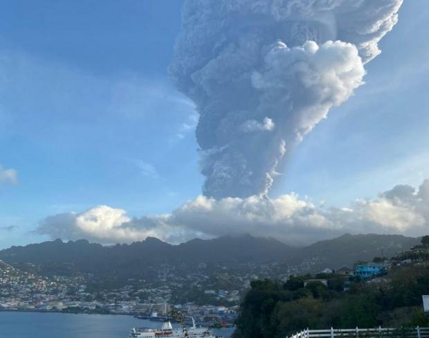 Вулкан Ла Суфриер