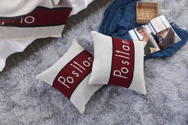 подушки в стильных наволочках
