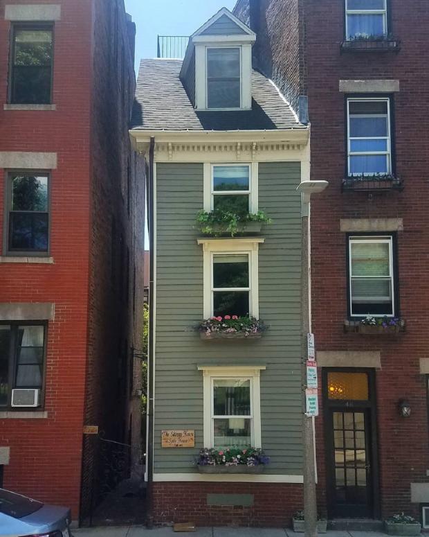 Самый узкий дом Бостона