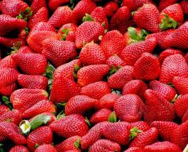 Чем клубника полезна для здоровья, и при каком условии плоды считаются безопасными